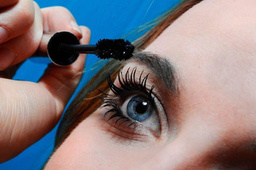 8 oogmake-uptips voor onhandige dame