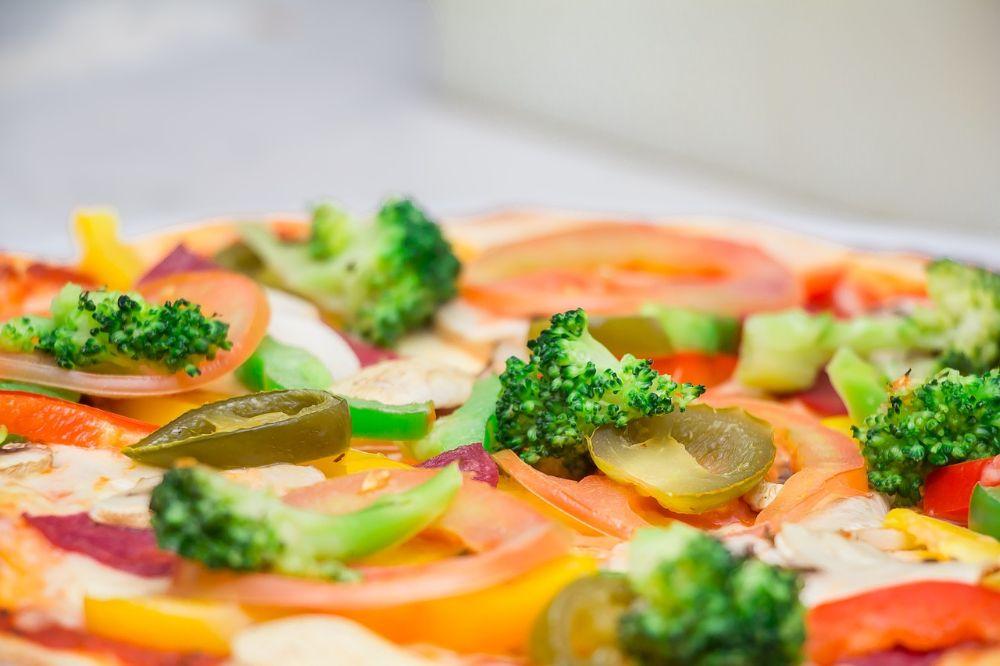 Een gezonde pizza die je zonder schuldgevoel kunt binnenwerken