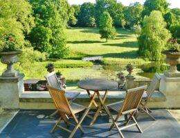 Wat mag er niet ontbreken op het terras in jouw tuin